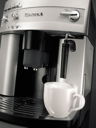 DeLonghi ESAM3300 Magnifica frother