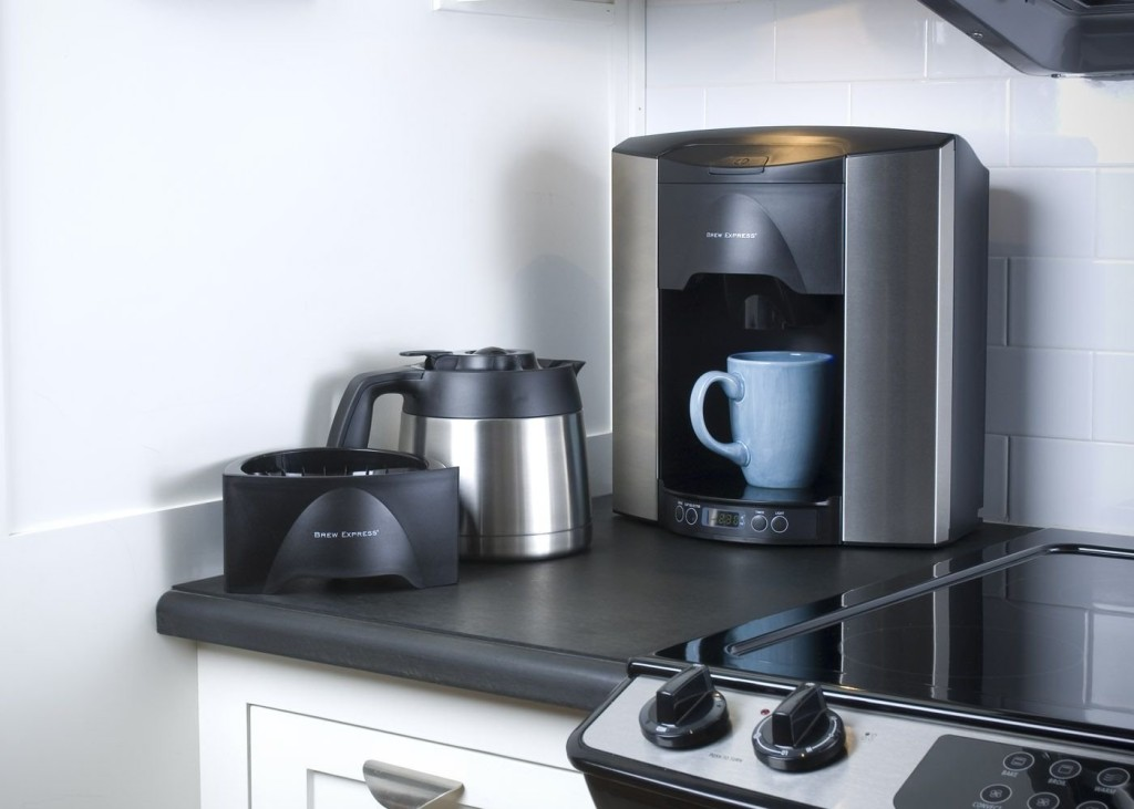 Easy Way To Clean A Coffee Maker : How To Clean Your Coffee Maker - Easy, Useful Tips - Coffee Drinker